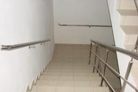 Поручни нержавеющие на лестницу